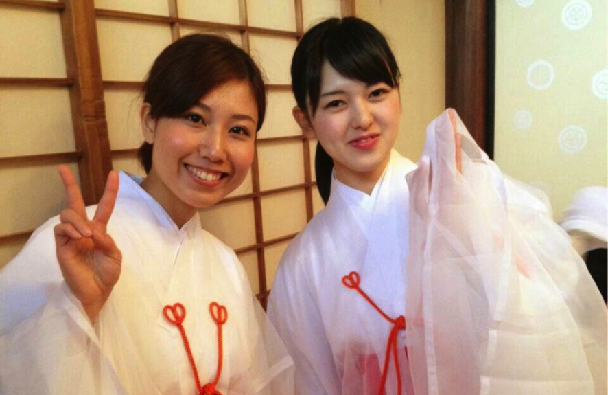 年末年始、京都の寺社仏閣で巫女さんのアルバイトをする女子大生