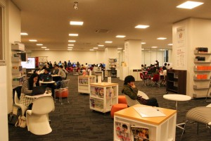 充実の設備で快適すぎる。立命館大学こだわりの新図書館がすごい!