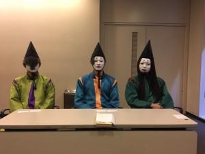 (左:麻倶呂(まぐろ)さん、中央:麻呂八華(まろやか)さん、右:麻主麻呂(ましゅまろ)さん)