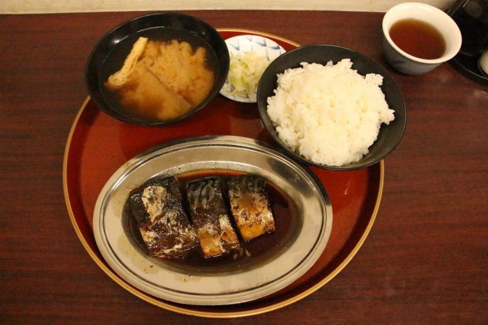 「今井食堂」の味噌煮定食