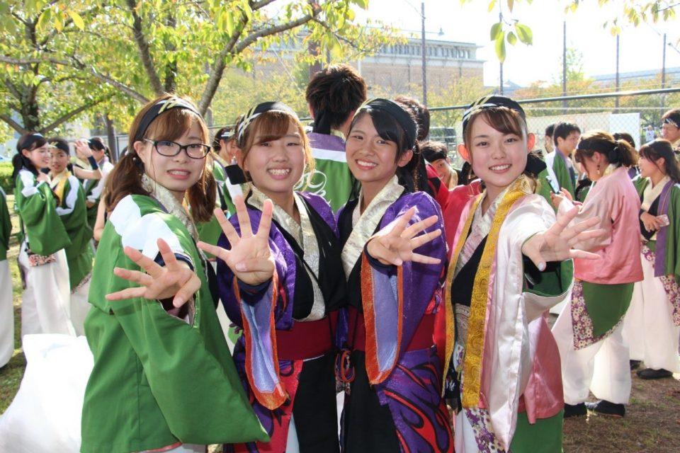 岡山うらじゃ連 四季のメンバーと衣装