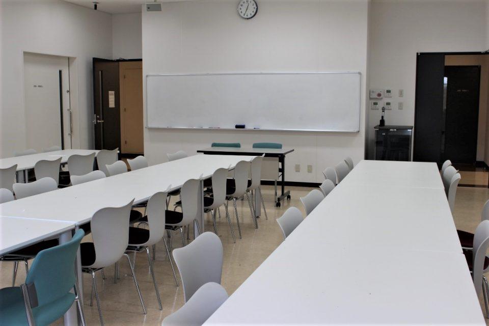 京都女子大学、U校舎