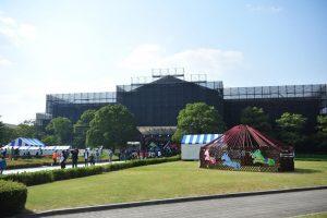 同志社大学クローバー祭のメインステージ